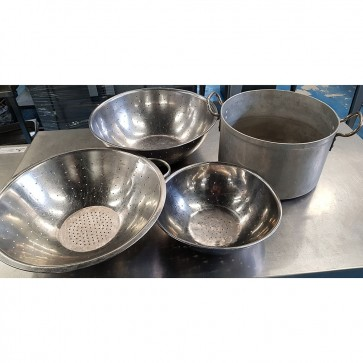 Colander Set of 3 With Large Cooking Pot