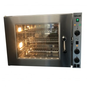 Used Lincat 67.7 counter top convection oven(without shelve)
